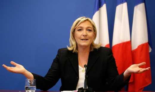 """Проиграла выборы и попала под следствие: Во Франции начали расследовать деятельность праворадикальной партии """"Национальный фронт"""""""