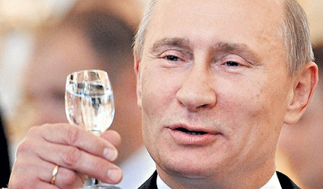"""""""Россияне, вы зажрались"""": Путин заявил, что отмены санкций не будет"""