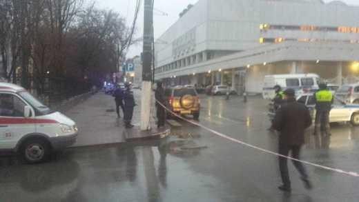 Ополченцы Донбасса начали возвращаться домой: В Ростове-на-дону заминировали универмаг