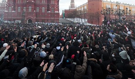 """""""Зиговать обязательно"""": московские школы пронесут георгиевскую ленту длиной 1488 метров"""