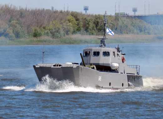 Украина – Бермудский треугольник для десанта РФ: Под Новоазовском на воздух взлетел катер с военными РФ