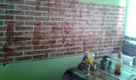 «Пошли вы на@уй»: переселенцы из Крыма уничтожили съемную квартиру во Львове ФОТО