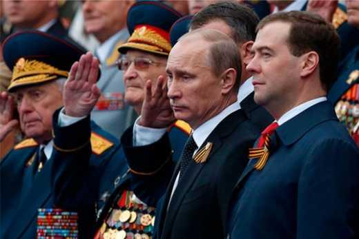 Пока Путин будет наблюдать за парадом ко Дню Победы, москвичам нельзя даже в окно высматривать