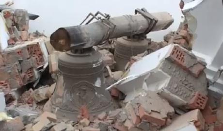 """""""Православная Россия, говорите?"""": Смотрите, как духовные россияне уничтожают храмы ВИДЕО"""