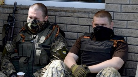 Опять заблудились: кадровые офицеры российской армии задержаны на КПП.