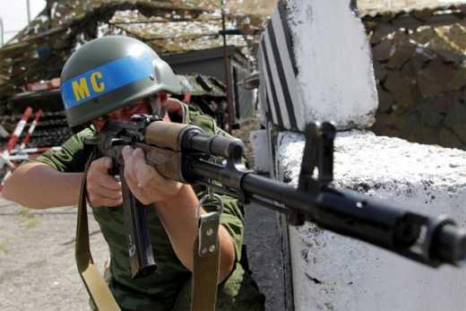 В Госдуме РФ считают, что Россия должна ввести на Донбасс миротворцев, которые будут воевать на стороне боевиков