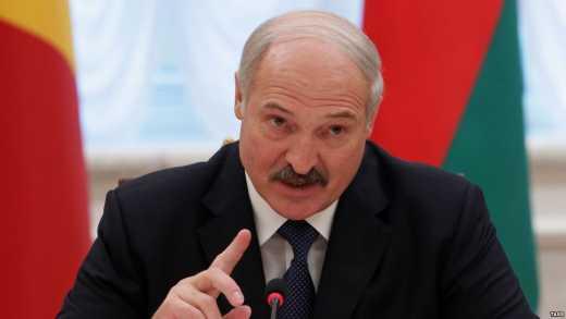"""Привет от """"бацьки"""": Лукашенко заявил, что Беларусь никогда не войдет в состав РФ, а навсегда останется суверенной страной"""