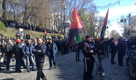 """Пикетирующих Раду шахтеров предупредили: тут вам не """"ДНР"""", будете нарушать закон – будем п@здить"""
