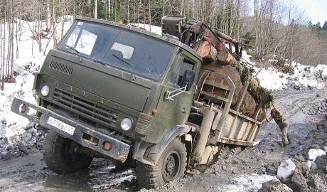 Украинский КрАЗ не успевает клепать машины на экспорт, а российский Камаз ушел на дно