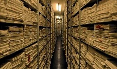 Кремль в панике: открытие архивов в Украине — катастрофа для России