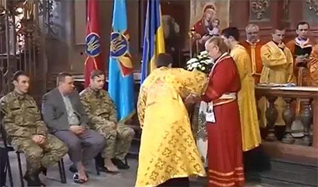 Владыка Украинской Греко-Католической церкви омывал ноги раненым бойцам АТО (ВИДЕО)