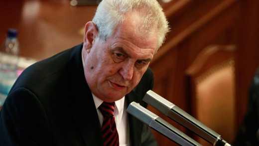 Сенат Чехии начал процедуру импичмента Милоша Земана