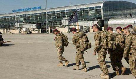 Россия в ярости, так как понимает, что американский десант покруче любых поставок оружия