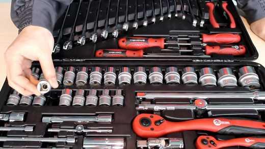 С таким набором инструментов вы сможете отремонтировать большинство поломок самостоятельно