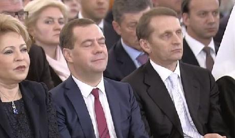 Что по ночам творится в доме правительства России – пикантное ВИДЕО +18
