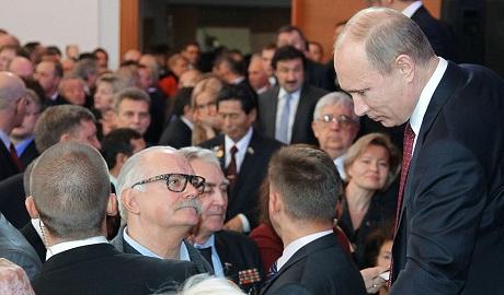 Михалков признался, что «до усрачки» любит Путина ВИДЕО