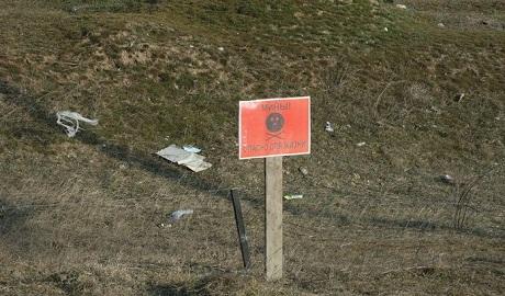 Военнослужащие РФ срочно минируют границу Крыма с Херсонской областью