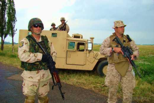 Вслед за Правым сектором десантники блокировали базу батальона Кривбасс