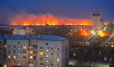 В России горит 250-тысячный город на границе с Китаем ФОТО