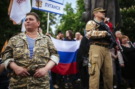 Патриотично! Пока вся Украина затягивает пояса киевская власть выплачивает социальную помощь боевикам