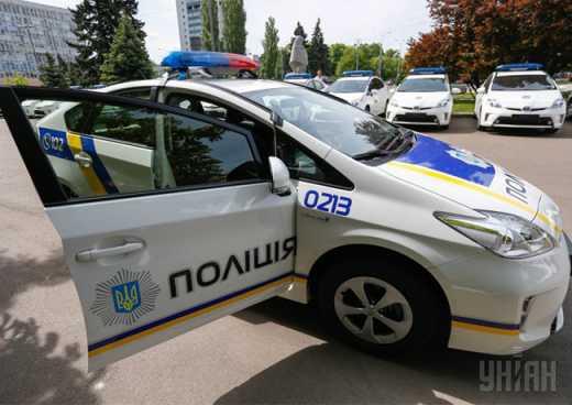 Правительство Японии предоставило новой патрульной службе Украины 348 гибридных автомобилей Toyota Prius