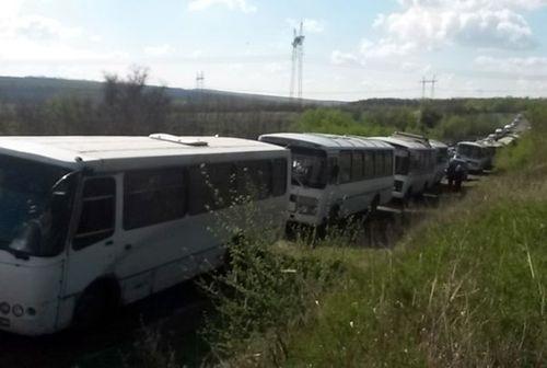 """Началось! Люди массово выезжают из террористической """"ДНР"""" в Украину"""