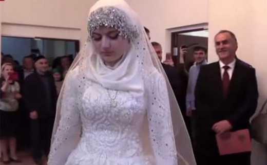 Россия – страна варваров: В Чечне состоялась свадьба 47-летнего полицейского и 17-летней девушки ВИДЕО