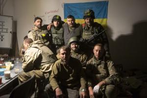 """Россиянам в Донецком аэропорту навешали так, что не жалко было умереть, – киборг с позывным """"Сокол"""""""