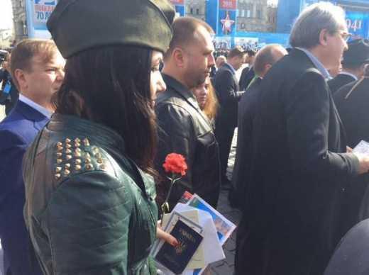 Путин снова бросил своих сторонников на Донбассе: На парад к Дню Победы в Москве по паспортам «ДНР» не пускали ФОТО