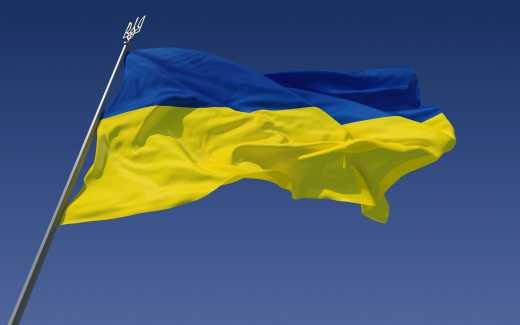 В Одессе мужчине, который сорвал флаг Украины четко разъяснили, что так делать нельзя ВИДЕО