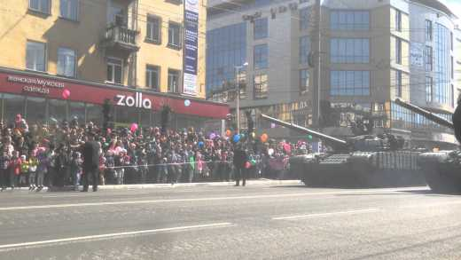 Демонстрация металлолома: В РФ во время парада загорелся зенитно-ракетный комплекс «БУК» ВИДЕО