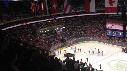 Истинное лицо РФ: Российские хоккеисты покинули поле во время исполнения гимна Канады ВИДЕО