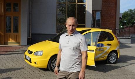 Российский авторынок в апреле рухнул вдвое