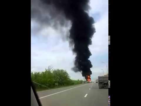У россиян даже гречка взрывоопасная: Под Ростовом-на-Дону взорвался грузовик с гуманитарного конвоя ВИДЕО