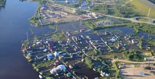 В России город утонул в нефти ФОТО