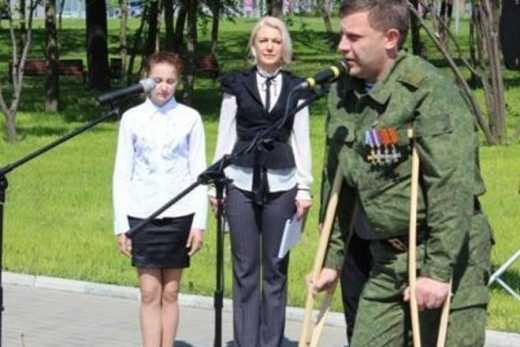 """У главаря """"ДНР"""" Захарченко гниет нога, но ехать лечится в Россию он боится – журналист"""