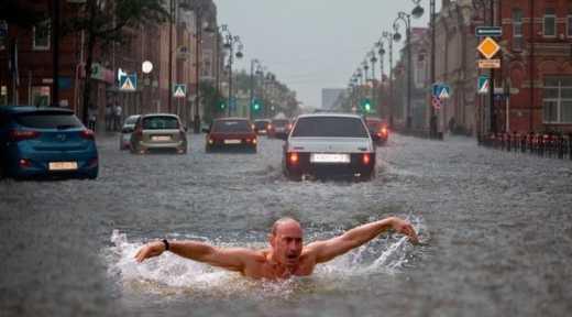 «Знак свыше»: Циклон затопивший Сочи двигается на Москву