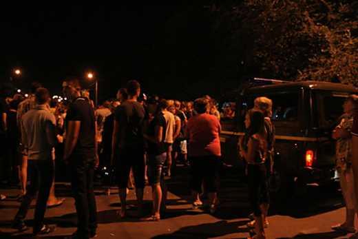 Достало! В Луганске люди восстали против бесчинства боевиков