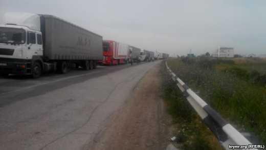 На Крыме снова продуктовый дефицит и грядет подорожание. Крымчане скупают еду