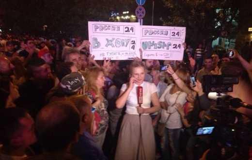 «В Ж@ПУ!»: армянский майдан красноречиво встретил кремлевских пропагандистов ФОТО