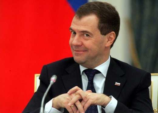 Шапито шоу – Медведев призвал Путина продлить санкции против ЕС!