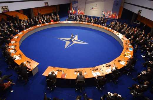 На заседании НАТО рассмотрели возможность войны.