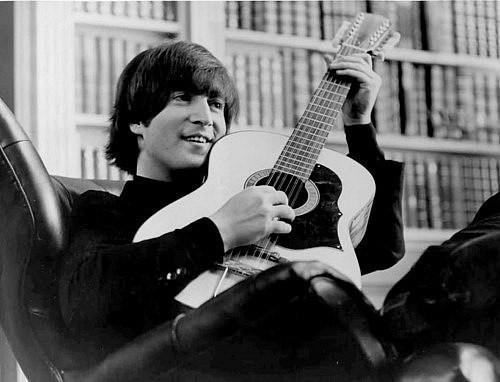 Найдено пропавшую гитару Джона Леннона