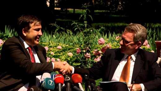 Достойную зарплату Одесским чиновникам обеспечит США, – Саакашвили