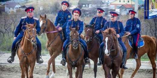 Водка сгубила: Русских казаков, которые ехали на Берлин задержали в Белоруссии