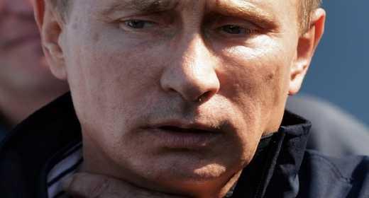 Путина начало лихорадить, названивает в Нидерланды как чумной – блогер