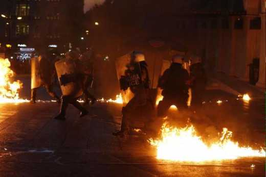 Греция – понеслось! Афины в огне ФОТО