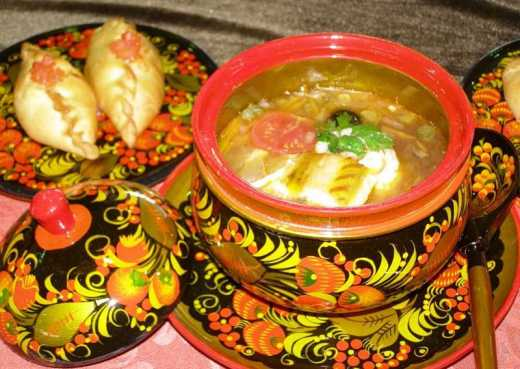 Щи да каша – еда наша: В Госдуме предложили ввести лимит на иностранные блюда в ресторанах