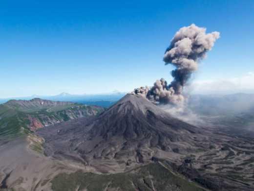 Камчатку засыпало вулканическим пеплом