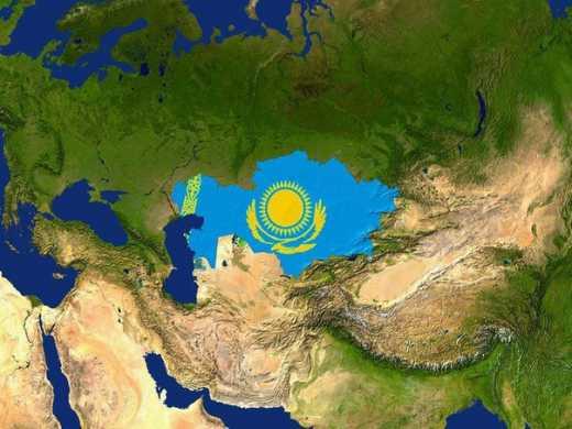 Казахский националист объясняет вате нормы поведения.